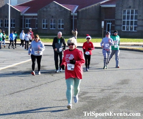 10 Annual Grinch Gallop 5K Run/Walk<br><br><br><br><a href='https://www.trisportsevents.com/pics/IMG_0028_8247182.JPG' download='IMG_0028_8247182.JPG'>Click here to download.</a><Br><a href='http://www.facebook.com/sharer.php?u=http:%2F%2Fwww.trisportsevents.com%2Fpics%2FIMG_0028_8247182.JPG&t=10 Annual Grinch Gallop 5K Run/Walk' target='_blank'><img src='images/fb_share.png' width='100'></a>