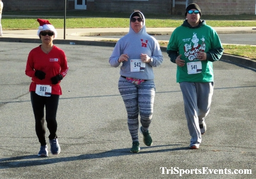 10 Annual Grinch Gallop 5K Run/Walk<br><br><br><br><a href='https://www.trisportsevents.com/pics/IMG_0029_26642615.JPG' download='IMG_0029_26642615.JPG'>Click here to download.</a><Br><a href='http://www.facebook.com/sharer.php?u=http:%2F%2Fwww.trisportsevents.com%2Fpics%2FIMG_0029_26642615.JPG&t=10 Annual Grinch Gallop 5K Run/Walk' target='_blank'><img src='images/fb_share.png' width='100'></a>