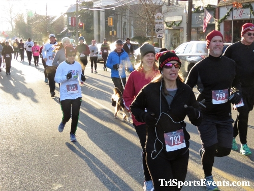 Run Like The Dickens 5K Run/Walk<br><br><br><br><a href='https://www.trisportsevents.com/pics/IMG_0032_83992147.JPG' download='IMG_0032_83992147.JPG'>Click here to download.</a><Br><a href='http://www.facebook.com/sharer.php?u=http:%2F%2Fwww.trisportsevents.com%2Fpics%2FIMG_0032_83992147.JPG&t=Run Like The Dickens 5K Run/Walk' target='_blank'><img src='images/fb_share.png' width='100'></a>