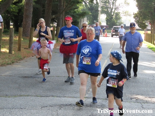 Freedom 5K Ran/Walk<br><br><br><br><a href='http://www.trisportsevents.com/pics/IMG_0033_1245576.JPG' download='IMG_0033_1245576.JPG'>Click here to download.</a><Br><a href='http://www.facebook.com/sharer.php?u=http:%2F%2Fwww.trisportsevents.com%2Fpics%2FIMG_0033_1245576.JPG&t=Freedom 5K Ran/Walk' target='_blank'><img src='images/fb_share.png' width='100'></a>