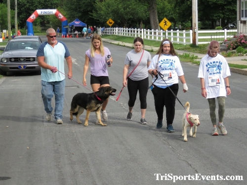 Scamper for Paws & Claws 5K Run/Walk<br><br><br><br><a href='https://www.trisportsevents.com/pics/IMG_0041_68905302.JPG' download='IMG_0041_68905302.JPG'>Click here to download.</a><Br><a href='http://www.facebook.com/sharer.php?u=http:%2F%2Fwww.trisportsevents.com%2Fpics%2FIMG_0041_68905302.JPG&t=Scamper for Paws & Claws 5K Run/Walk' target='_blank'><img src='images/fb_share.png' width='100'></a>