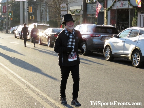 Run Like The Dickens 5K Run/Walk<br><br><br><br><a href='https://www.trisportsevents.com/pics/IMG_0042_16782763.JPG' download='IMG_0042_16782763.JPG'>Click here to download.</a><Br><a href='http://www.facebook.com/sharer.php?u=http:%2F%2Fwww.trisportsevents.com%2Fpics%2FIMG_0042_16782763.JPG&t=Run Like The Dickens 5K Run/Walk' target='_blank'><img src='images/fb_share.png' width='100'></a>