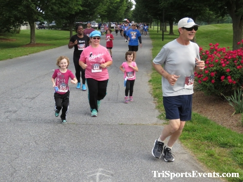 Gotta Have Faye-th 5K Run/Walk<br><br><br><br><a href='http://www.trisportsevents.com/pics/IMG_0050_62319118.JPG' download='IMG_0050_62319118.JPG'>Click here to download.</a><Br><a href='http://www.facebook.com/sharer.php?u=http:%2F%2Fwww.trisportsevents.com%2Fpics%2FIMG_0050_62319118.JPG&t=Gotta Have Faye-th 5K Run/Walk' target='_blank'><img src='images/fb_share.png' width='100'></a>