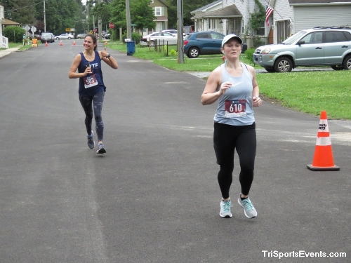 Scamper for Paws & Claws 5K Run/Walk<br><br><br><br><a href='https://www.trisportsevents.com/pics/IMG_0083_46862951.JPG' download='IMG_0083_46862951.JPG'>Click here to download.</a><Br><a href='http://www.facebook.com/sharer.php?u=http:%2F%2Fwww.trisportsevents.com%2Fpics%2FIMG_0083_46862951.JPG&t=Scamper for Paws & Claws 5K Run/Walk' target='_blank'><img src='images/fb_share.png' width='100'></a>