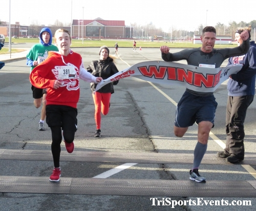 10 Annual Grinch Gallop 5K Run/Walk<br><br><br><br><a href='http://www.trisportsevents.com/pics/IMG_0103_24549709.JPG' download='IMG_0103_24549709.JPG'>Click here to download.</a><Br><a href='http://www.facebook.com/sharer.php?u=http:%2F%2Fwww.trisportsevents.com%2Fpics%2FIMG_0103_24549709.JPG&t=10 Annual Grinch Gallop 5K Run/Walk' target='_blank'><img src='images/fb_share.png' width='100'></a>