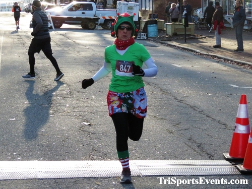 Run Like The Dickens 5K Run/Walk<br><br><br><br><a href='https://www.trisportsevents.com/pics/IMG_0113_89266472.JPG' download='IMG_0113_89266472.JPG'>Click here to download.</a><Br><a href='http://www.facebook.com/sharer.php?u=http:%2F%2Fwww.trisportsevents.com%2Fpics%2FIMG_0113_89266472.JPG&t=Run Like The Dickens 5K Run/Walk' target='_blank'><img src='images/fb_share.png' width='100'></a>