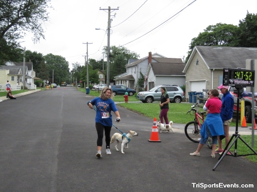 Scamper for Paws & Claws 5K Run/Walk<br><br><br><br><a href='https://www.trisportsevents.com/pics/IMG_0126_95236640.JPG' download='IMG_0126_95236640.JPG'>Click here to download.</a><Br><a href='http://www.facebook.com/sharer.php?u=http:%2F%2Fwww.trisportsevents.com%2Fpics%2FIMG_0126_95236640.JPG&t=Scamper for Paws & Claws 5K Run/Walk' target='_blank'><img src='images/fb_share.png' width='100'></a>