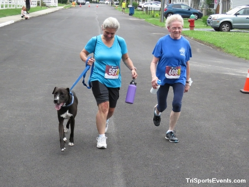 Scamper for Paws & Claws 5K Run/Walk<br><br><br><br><a href='https://www.trisportsevents.com/pics/IMG_0129_10221987.JPG' download='IMG_0129_10221987.JPG'>Click here to download.</a><Br><a href='http://www.facebook.com/sharer.php?u=http:%2F%2Fwww.trisportsevents.com%2Fpics%2FIMG_0129_10221987.JPG&t=Scamper for Paws & Claws 5K Run/Walk' target='_blank'><img src='images/fb_share.png' width='100'></a>