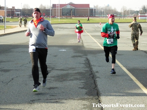 10 Annual Grinch Gallop 5K Run/Walk<br><br><br><br><a href='http://www.trisportsevents.com/pics/IMG_0129_22729583.JPG' download='IMG_0129_22729583.JPG'>Click here to download.</a><Br><a href='http://www.facebook.com/sharer.php?u=http:%2F%2Fwww.trisportsevents.com%2Fpics%2FIMG_0129_22729583.JPG&t=10 Annual Grinch Gallop 5K Run/Walk' target='_blank'><img src='images/fb_share.png' width='100'></a>