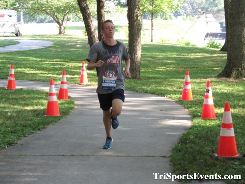 Freedom 5K Ran/Walk<br><br><br><br><a href='http://www.trisportsevents.com/pics/IMG_0129_74429006.JPG' download='IMG_0129_74429006.JPG'>Click here to download.</a><Br><a href='http://www.facebook.com/sharer.php?u=http:%2F%2Fwww.trisportsevents.com%2Fpics%2FIMG_0129_74429006.JPG&t=Freedom 5K Ran/Walk' target='_blank'><img src='images/fb_share.png' width='100'></a>