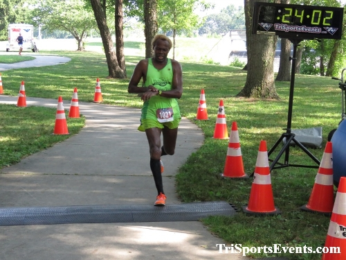 Freedom 5K Ran/Walk<br><br><br><br><a href='https://www.trisportsevents.com/pics/IMG_0141_54716272.JPG' download='IMG_0141_54716272.JPG'>Click here to download.</a><Br><a href='http://www.facebook.com/sharer.php?u=http:%2F%2Fwww.trisportsevents.com%2Fpics%2FIMG_0141_54716272.JPG&t=Freedom 5K Ran/Walk' target='_blank'><img src='images/fb_share.png' width='100'></a>