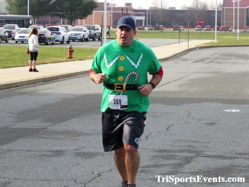 10 Annual Grinch Gallop 5K Run/Walk<br><br><br><br><a href='http://www.trisportsevents.com/pics/IMG_0142_31525913.JPG' download='IMG_0142_31525913.JPG'>Click here to download.</a><Br><a href='http://www.facebook.com/sharer.php?u=http:%2F%2Fwww.trisportsevents.com%2Fpics%2FIMG_0142_31525913.JPG&t=10 Annual Grinch Gallop 5K Run/Walk' target='_blank'><img src='images/fb_share.png' width='100'></a>