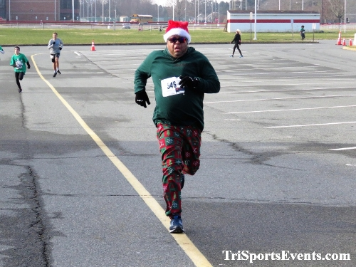 10 Annual Grinch Gallop 5K Run/Walk<br><br><br><br><a href='http://www.trisportsevents.com/pics/IMG_0144_76373079.JPG' download='IMG_0144_76373079.JPG'>Click here to download.</a><Br><a href='http://www.facebook.com/sharer.php?u=http:%2F%2Fwww.trisportsevents.com%2Fpics%2FIMG_0144_76373079.JPG&t=10 Annual Grinch Gallop 5K Run/Walk' target='_blank'><img src='images/fb_share.png' width='100'></a>