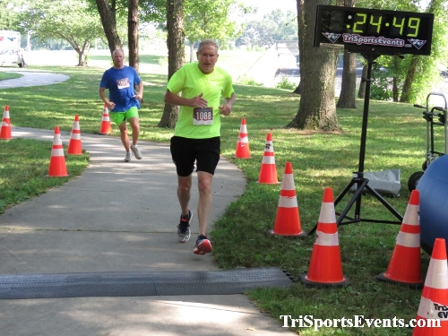 Freedom 5K Ran/Walk<br><br><br><br><a href='http://www.trisportsevents.com/pics/IMG_0144_80423728.JPG' download='IMG_0144_80423728.JPG'>Click here to download.</a><Br><a href='http://www.facebook.com/sharer.php?u=http:%2F%2Fwww.trisportsevents.com%2Fpics%2FIMG_0144_80423728.JPG&t=Freedom 5K Ran/Walk' target='_blank'><img src='images/fb_share.png' width='100'></a>