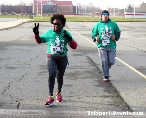 10 Annual Grinch Gallop 5K Run/Walk<br><br><br><br><a href='http://www.trisportsevents.com/pics/IMG_0147_46026341.JPG' download='IMG_0147_46026341.JPG'>Click here to download.</a><Br><a href='http://www.facebook.com/sharer.php?u=http:%2F%2Fwww.trisportsevents.com%2Fpics%2FIMG_0147_46026341.JPG&t=10 Annual Grinch Gallop 5K Run/Walk' target='_blank'><img src='images/fb_share.png' width='100'></a>