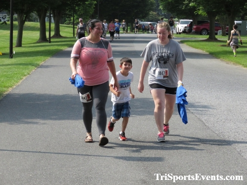 Gotta Have Faye-th 5K Run/Walk<br><br><br><br><a href='http://www.trisportsevents.com/pics/IMG_0180_51060491.JPG' download='IMG_0180_51060491.JPG'>Click here to download.</a><Br><a href='http://www.facebook.com/sharer.php?u=http:%2F%2Fwww.trisportsevents.com%2Fpics%2FIMG_0180_51060491.JPG&t=Gotta Have Faye-th 5K Run/Walk' target='_blank'><img src='images/fb_share.png' width='100'></a>