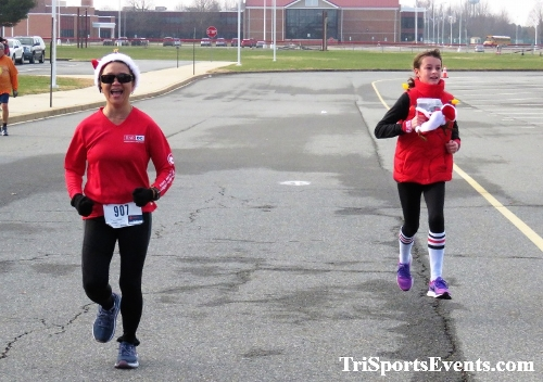10 Annual Grinch Gallop 5K Run/Walk<br><br><br><br><a href='http://www.trisportsevents.com/pics/IMG_0181_5284297.JPG' download='IMG_0181_5284297.JPG'>Click here to download.</a><Br><a href='http://www.facebook.com/sharer.php?u=http:%2F%2Fwww.trisportsevents.com%2Fpics%2FIMG_0181_5284297.JPG&t=10 Annual Grinch Gallop 5K Run/Walk' target='_blank'><img src='images/fb_share.png' width='100'></a>