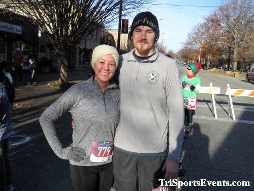 Run Like The Dickens 5K Run/Walk<br><br><br><br><a href='https://www.trisportsevents.com/pics/IMG_0191_24863126.JPG' download='IMG_0191_24863126.JPG'>Click here to download.</a><Br><a href='http://www.facebook.com/sharer.php?u=http:%2F%2Fwww.trisportsevents.com%2Fpics%2FIMG_0191_24863126.JPG&t=Run Like The Dickens 5K Run/Walk' target='_blank'><img src='images/fb_share.png' width='100'></a>