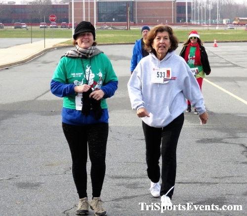 10 Annual Grinch Gallop 5K Run/Walk<br><br><br><br><a href='http://www.trisportsevents.com/pics/IMG_0200_16215636.JPG' download='IMG_0200_16215636.JPG'>Click here to download.</a><Br><a href='http://www.facebook.com/sharer.php?u=http:%2F%2Fwww.trisportsevents.com%2Fpics%2FIMG_0200_16215636.JPG&t=10 Annual Grinch Gallop 5K Run/Walk' target='_blank'><img src='images/fb_share.png' width='100'></a>