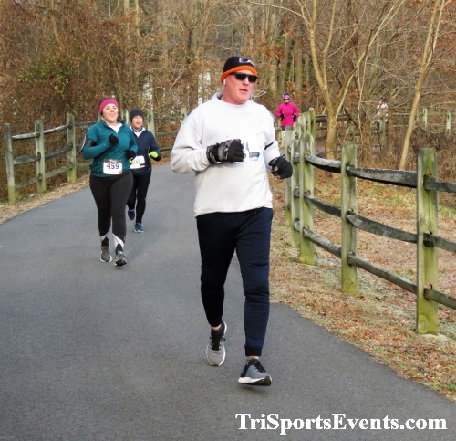Deck the Trails 5K Run/Walk<br><br><br><br><a href='https://www.trisportsevents.com/pics/IMG_0239_68272618.JPG' download='IMG_0239_68272618.JPG'>Click here to download.</a><Br><a href='http://www.facebook.com/sharer.php?u=http:%2F%2Fwww.trisportsevents.com%2Fpics%2FIMG_0239_68272618.JPG&t=Deck the Trails 5K Run/Walk' target='_blank'><img src='images/fb_share.png' width='100'></a>