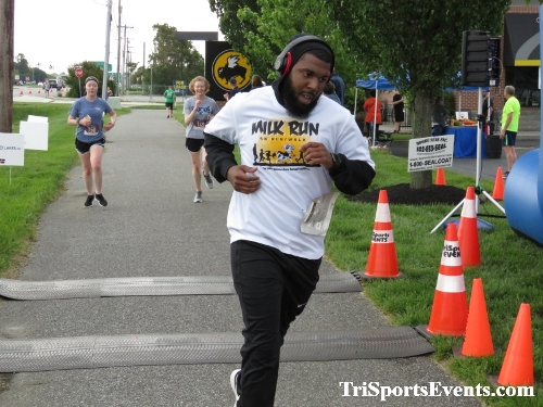 Milk Run 5K Run/Walk<br><br><br><br><a href='https://www.trisportsevents.com/pics/IMG_0246_58739522.JPG' download='IMG_0246_58739522.JPG'>Click here to download.</a><Br><a href='http://www.facebook.com/sharer.php?u=http:%2F%2Fwww.trisportsevents.com%2Fpics%2FIMG_0246_58739522.JPG&t=Milk Run 5K Run/Walk' target='_blank'><img src='images/fb_share.png' width='100'></a>