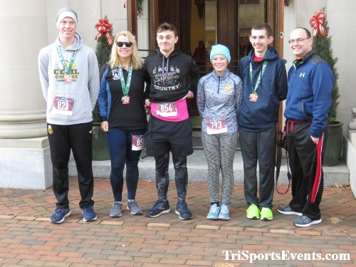 Run Like The Dickens 5K Run/Walk<br><br><br><br><a href='https://www.trisportsevents.com/pics/IMG_0252_90486309.JPG' download='IMG_0252_90486309.JPG'>Click here to download.</a><Br><a href='http://www.facebook.com/sharer.php?u=http:%2F%2Fwww.trisportsevents.com%2Fpics%2FIMG_0252_90486309.JPG&t=Run Like The Dickens 5K Run/Walk' target='_blank'><img src='images/fb_share.png' width='100'></a>
