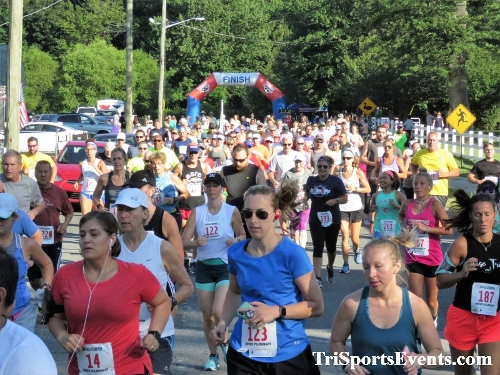 41st Great Wyoming Buffalo Stampede 5K/10K<br><br><br><br><a href='https://www.trisportsevents.com/pics/IMG_0260_32258575.JPG' download='IMG_0260_32258575.JPG'>Click here to download.</a><Br><a href='http://www.facebook.com/sharer.php?u=http:%2F%2Fwww.trisportsevents.com%2Fpics%2FIMG_0260_32258575.JPG&t=41st Great Wyoming Buffalo Stampede 5K/10K' target='_blank'><img src='images/fb_share.png' width='100'></a>