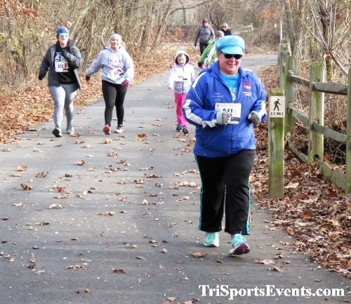 Deck the Trails 5K Run/Walk<br><br><br><br><a href='https://www.trisportsevents.com/pics/IMG_0262_95704194.JPG' download='IMG_0262_95704194.JPG'>Click here to download.</a><Br><a href='http://www.facebook.com/sharer.php?u=http:%2F%2Fwww.trisportsevents.com%2Fpics%2FIMG_0262_95704194.JPG&t=Deck the Trails 5K Run/Walk' target='_blank'><img src='images/fb_share.png' width='100'></a>