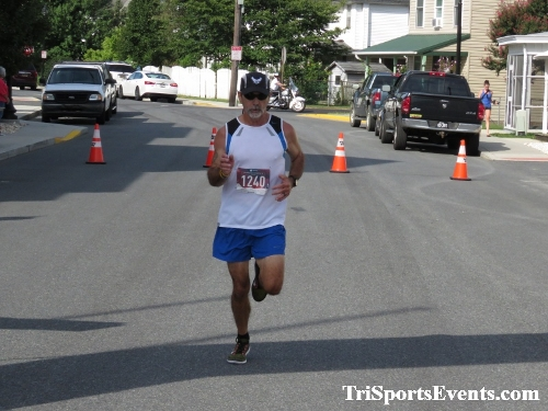 Running Hot 5K Run/Walk - Clayton Fire Company<br><br><br><br><a href='http://www.trisportsevents.com/pics/IMG_0330_22865854.JPG' download='IMG_0330_22865854.JPG'>Click here to download.</a><Br><a href='http://www.facebook.com/sharer.php?u=http:%2F%2Fwww.trisportsevents.com%2Fpics%2FIMG_0330_22865854.JPG&t=Running Hot 5K Run/Walk - Clayton Fire Company' target='_blank'><img src='images/fb_share.png' width='100'></a>