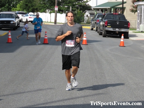 Running Hot 5K Run/Walk - Clayton Fire Company<br><br><br><br><a href='http://www.trisportsevents.com/pics/IMG_0336_98941310.JPG' download='IMG_0336_98941310.JPG'>Click here to download.</a><Br><a href='http://www.facebook.com/sharer.php?u=http:%2F%2Fwww.trisportsevents.com%2Fpics%2FIMG_0336_98941310.JPG&t=Running Hot 5K Run/Walk - Clayton Fire Company' target='_blank'><img src='images/fb_share.png' width='100'></a>