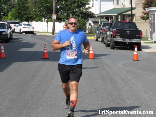 Running Hot 5K Run/Walk - Clayton Fire Company<br><br><br><br><a href='http://www.trisportsevents.com/pics/IMG_0364_10507473.JPG' download='IMG_0364_10507473.JPG'>Click here to download.</a><Br><a href='http://www.facebook.com/sharer.php?u=http:%2F%2Fwww.trisportsevents.com%2Fpics%2FIMG_0364_10507473.JPG&t=Running Hot 5K Run/Walk - Clayton Fire Company' target='_blank'><img src='images/fb_share.png' width='100'></a>