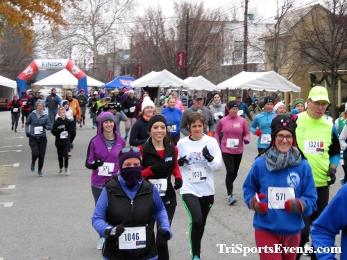 Run Like The Dickens 5K Run/Walk<br><br><br><br><a href='https://www.trisportsevents.com/pics/IMG_0390_34750677.JPG' download='IMG_0390_34750677.JPG'>Click here to download.</a><Br><a href='http://www.facebook.com/sharer.php?u=http:%2F%2Fwww.trisportsevents.com%2Fpics%2FIMG_0390_34750677.JPG&t=Run Like The Dickens 5K Run/Walk' target='_blank'><img src='images/fb_share.png' width='100'></a>
