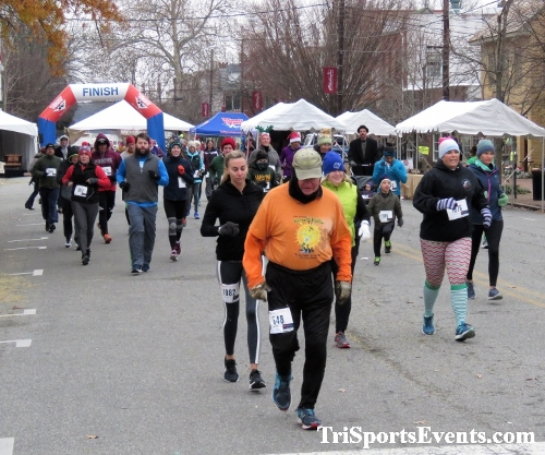 Run Like The Dickens 5K Run/Walk<br><br><br><br><a href='https://www.trisportsevents.com/pics/IMG_0394_84082918.JPG' download='IMG_0394_84082918.JPG'>Click here to download.</a><Br><a href='http://www.facebook.com/sharer.php?u=http:%2F%2Fwww.trisportsevents.com%2Fpics%2FIMG_0394_84082918.JPG&t=Run Like The Dickens 5K Run/Walk' target='_blank'><img src='images/fb_share.png' width='100'></a>