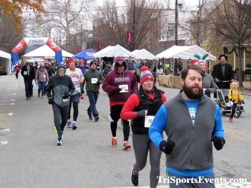 Run Like The Dickens 5K Run/Walk<br><br><br><br><a href='https://www.trisportsevents.com/pics/IMG_0397_6139720.JPG' download='IMG_0397_6139720.JPG'>Click here to download.</a><Br><a href='http://www.facebook.com/sharer.php?u=http:%2F%2Fwww.trisportsevents.com%2Fpics%2FIMG_0397_6139720.JPG&t=Run Like The Dickens 5K Run/Walk' target='_blank'><img src='images/fb_share.png' width='100'></a>