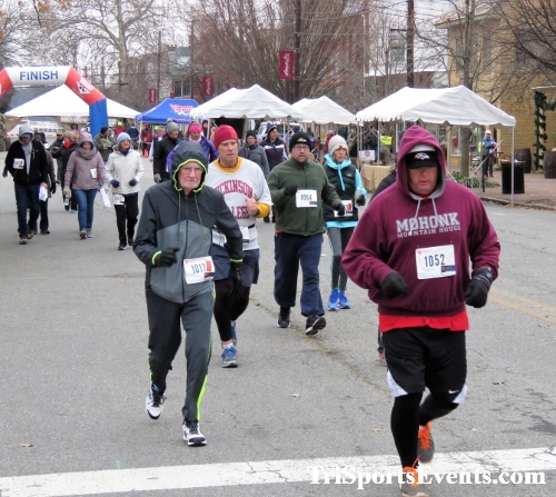 Run Like The Dickens 5K Run/Walk<br><br><br><br><a href='http://www.trisportsevents.com/pics/IMG_0398_4221756.JPG' download='IMG_0398_4221756.JPG'>Click here to download.</a><Br><a href='http://www.facebook.com/sharer.php?u=http:%2F%2Fwww.trisportsevents.com%2Fpics%2FIMG_0398_4221756.JPG&t=Run Like The Dickens 5K Run/Walk' target='_blank'><img src='images/fb_share.png' width='100'></a>