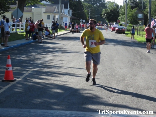 41st Great Wyoming Buffalo Stampede 5K/10K<br><br><br><br><a href='http://www.trisportsevents.com/pics/IMG_0417_7756149.JPG' download='IMG_0417_7756149.JPG'>Click here to download.</a><Br><a href='http://www.facebook.com/sharer.php?u=http:%2F%2Fwww.trisportsevents.com%2Fpics%2FIMG_0417_7756149.JPG&t=41st Great Wyoming Buffalo Stampede 5K/10K' target='_blank'><img src='images/fb_share.png' width='100'></a>