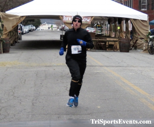 Run Like The Dickens 5K Run/Walk<br><br><br><br><a href='https://www.trisportsevents.com/pics/IMG_0422_17858543.JPG' download='IMG_0422_17858543.JPG'>Click here to download.</a><Br><a href='http://www.facebook.com/sharer.php?u=http:%2F%2Fwww.trisportsevents.com%2Fpics%2FIMG_0422_17858543.JPG&t=Run Like The Dickens 5K Run/Walk' target='_blank'><img src='images/fb_share.png' width='100'></a>