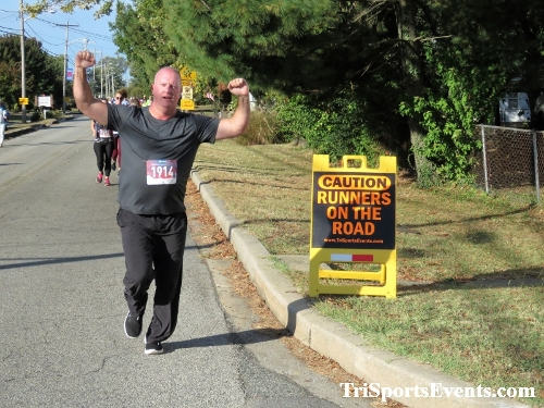 Rock Hall FallFest Rub for Character 5K Run/Walk<br><br><br><br><a href='https://www.trisportsevents.com/pics/IMG_0423_21962206.JPG' download='IMG_0423_21962206.JPG'>Click here to download.</a><Br><a href='http://www.facebook.com/sharer.php?u=http:%2F%2Fwww.trisportsevents.com%2Fpics%2FIMG_0423_21962206.JPG&t=Rock Hall FallFest Rub for Character 5K Run/Walk' target='_blank'><img src='images/fb_share.png' width='100'></a>
