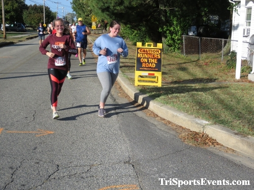 Rock Hall FallFest Rub for Character 5K Run/Walk<br><br><br><br><a href='https://www.trisportsevents.com/pics/IMG_0433_14380973.JPG' download='IMG_0433_14380973.JPG'>Click here to download.</a><Br><a href='http://www.facebook.com/sharer.php?u=http:%2F%2Fwww.trisportsevents.com%2Fpics%2FIMG_0433_14380973.JPG&t=Rock Hall FallFest Rub for Character 5K Run/Walk' target='_blank'><img src='images/fb_share.png' width='100'></a>