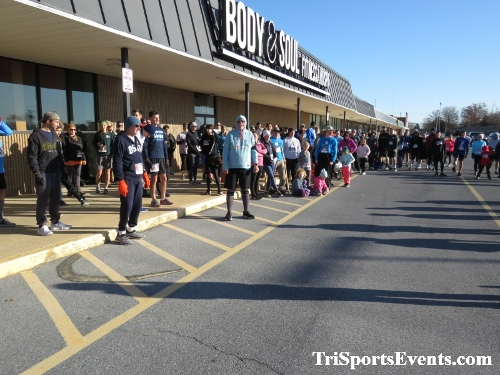 6th Annual Turkey Trot 5K Run/Walk<br><br><br><br><a href='https://www.trisportsevents.com/pics/IMG_0437_27010272.JPG' download='IMG_0437_27010272.JPG'>Click here to download.</a><Br><a href='http://www.facebook.com/sharer.php?u=http:%2F%2Fwww.trisportsevents.com%2Fpics%2FIMG_0437_27010272.JPG&t=6th Annual Turkey Trot 5K Run/Walk' target='_blank'><img src='images/fb_share.png' width='100'></a>