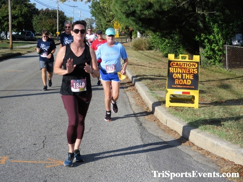 Rock Hall FallFest Rub for Character 5K Run/Walk<br><br><br><br><a href='https://www.trisportsevents.com/pics/IMG_0437_71881160.JPG' download='IMG_0437_71881160.JPG'>Click here to download.</a><Br><a href='http://www.facebook.com/sharer.php?u=http:%2F%2Fwww.trisportsevents.com%2Fpics%2FIMG_0437_71881160.JPG&t=Rock Hall FallFest Rub for Character 5K Run/Walk' target='_blank'><img src='images/fb_share.png' width='100'></a>
