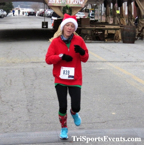 Run Like The Dickens 5K Run/Walk<br><br><br><br><a href='https://www.trisportsevents.com/pics/IMG_0442_39119549.JPG' download='IMG_0442_39119549.JPG'>Click here to download.</a><Br><a href='http://www.facebook.com/sharer.php?u=http:%2F%2Fwww.trisportsevents.com%2Fpics%2FIMG_0442_39119549.JPG&t=Run Like The Dickens 5K Run/Walk' target='_blank'><img src='images/fb_share.png' width='100'></a>