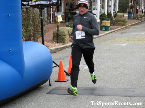 Run Like The Dickens 5K Run/Walk<br><br><br><br><a href='https://www.trisportsevents.com/pics/IMG_0445_16368297.JPG' download='IMG_0445_16368297.JPG'>Click here to download.</a><Br><a href='http://www.facebook.com/sharer.php?u=http:%2F%2Fwww.trisportsevents.com%2Fpics%2FIMG_0445_16368297.JPG&t=Run Like The Dickens 5K Run/Walk' target='_blank'><img src='images/fb_share.png' width='100'></a>