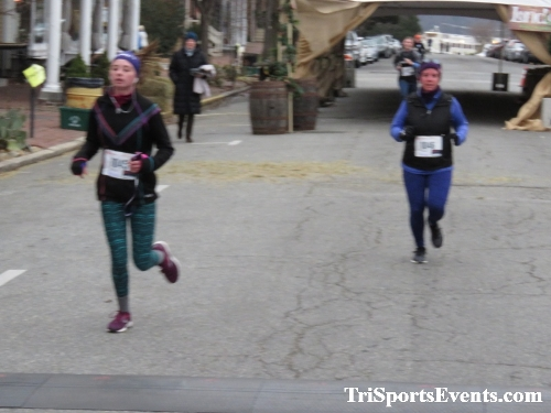 Run Like The Dickens 5K Run/Walk<br><br><br><br><a href='http://www.trisportsevents.com/pics/IMG_0452_16173458.JPG' download='IMG_0452_16173458.JPG'>Click here to download.</a><Br><a href='http://www.facebook.com/sharer.php?u=http:%2F%2Fwww.trisportsevents.com%2Fpics%2FIMG_0452_16173458.JPG&t=Run Like The Dickens 5K Run/Walk' target='_blank'><img src='images/fb_share.png' width='100'></a>