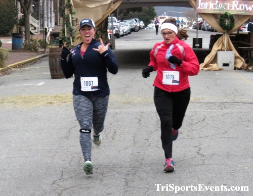 Run Like The Dickens 5K Run/Walk<br><br><br><br><a href='http://www.trisportsevents.com/pics/IMG_0460_9025237.JPG' download='IMG_0460_9025237.JPG'>Click here to download.</a><Br><a href='http://www.facebook.com/sharer.php?u=http:%2F%2Fwww.trisportsevents.com%2Fpics%2FIMG_0460_9025237.JPG&t=Run Like The Dickens 5K Run/Walk' target='_blank'><img src='images/fb_share.png' width='100'></a>