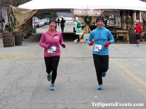 Run Like The Dickens 5K Run/Walk<br><br><br><br><a href='https://www.trisportsevents.com/pics/IMG_0462_8234900.JPG' download='IMG_0462_8234900.JPG'>Click here to download.</a><Br><a href='http://www.facebook.com/sharer.php?u=http:%2F%2Fwww.trisportsevents.com%2Fpics%2FIMG_0462_8234900.JPG&t=Run Like The Dickens 5K Run/Walk' target='_blank'><img src='images/fb_share.png' width='100'></a>