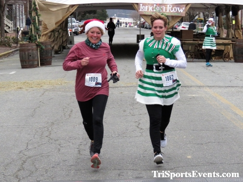 Run Like The Dickens 5K Run/Walk<br><br><br><br><a href='https://www.trisportsevents.com/pics/IMG_0465_56523860.JPG' download='IMG_0465_56523860.JPG'>Click here to download.</a><Br><a href='http://www.facebook.com/sharer.php?u=http:%2F%2Fwww.trisportsevents.com%2Fpics%2FIMG_0465_56523860.JPG&t=Run Like The Dickens 5K Run/Walk' target='_blank'><img src='images/fb_share.png' width='100'></a>