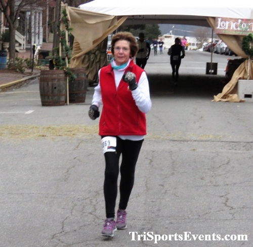 Run Like The Dickens 5K Run/Walk<br><br><br><br><a href='https://www.trisportsevents.com/pics/IMG_0467_74346594.JPG' download='IMG_0467_74346594.JPG'>Click here to download.</a><Br><a href='http://www.facebook.com/sharer.php?u=http:%2F%2Fwww.trisportsevents.com%2Fpics%2FIMG_0467_74346594.JPG&t=Run Like The Dickens 5K Run/Walk' target='_blank'><img src='images/fb_share.png' width='100'></a>