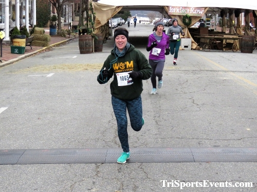 Run Like The Dickens 5K Run/Walk<br><br><br><br><a href='https://www.trisportsevents.com/pics/IMG_0480_46759667.JPG' download='IMG_0480_46759667.JPG'>Click here to download.</a><Br><a href='http://www.facebook.com/sharer.php?u=http:%2F%2Fwww.trisportsevents.com%2Fpics%2FIMG_0480_46759667.JPG&t=Run Like The Dickens 5K Run/Walk' target='_blank'><img src='images/fb_share.png' width='100'></a>