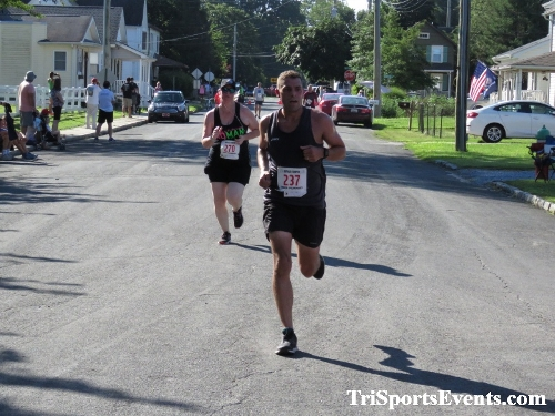 41st Great Wyoming Buffalo Stampede 5K/10K<br><br><br><br><a href='https://www.trisportsevents.com/pics/IMG_0504_74600253.JPG' download='IMG_0504_74600253.JPG'>Click here to download.</a><Br><a href='http://www.facebook.com/sharer.php?u=http:%2F%2Fwww.trisportsevents.com%2Fpics%2FIMG_0504_74600253.JPG&t=41st Great Wyoming Buffalo Stampede 5K/10K' target='_blank'><img src='images/fb_share.png' width='100'></a>